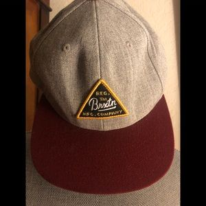 NWT Brixton SnapBack hat grey and burgundy